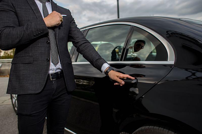 Que dit la loi sur la location de voiture avec chauffeur?